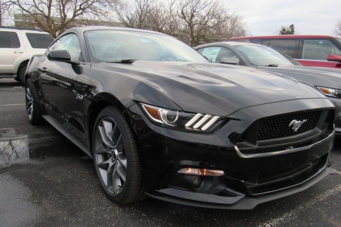 Alquilar Ford Mustang Coupe 5.0
